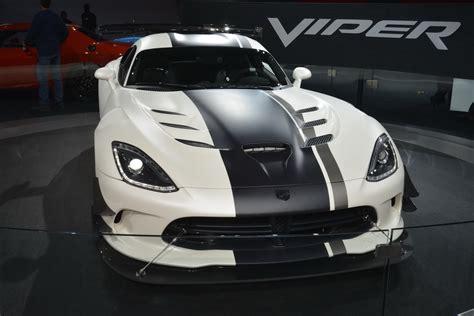 ny auto show dodge viper acr still has it carscoops com ny auto show dodge viper acr still has it carscoops com