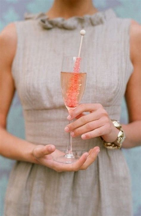 10 creative ways to present your signature drink at your