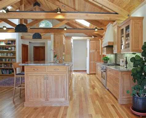 light oak kitchen cabinets images of kitchens with oak cabinets inviting home design