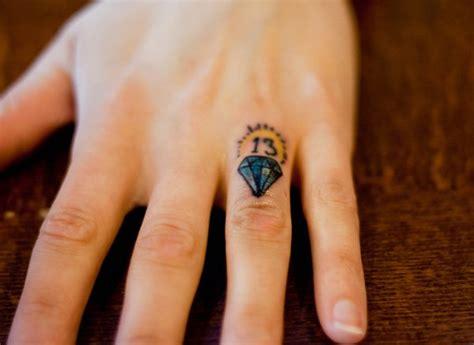 50 examples of nice finger tattoos golfian com