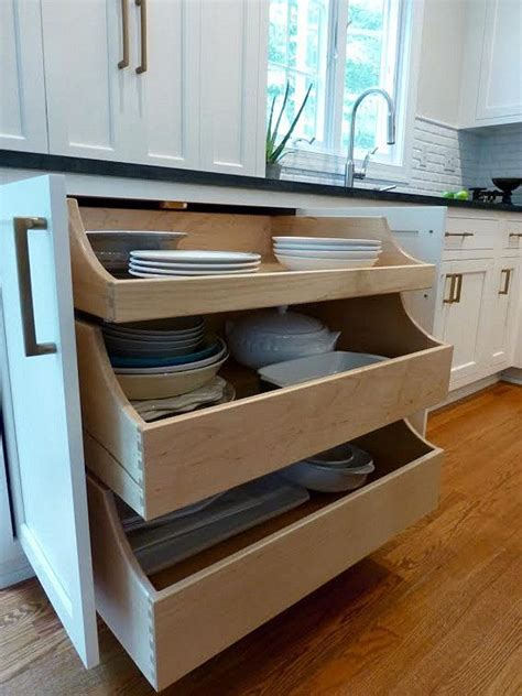 kitchen cabinets drawers best 25 kitchen drawers ideas on space saving
