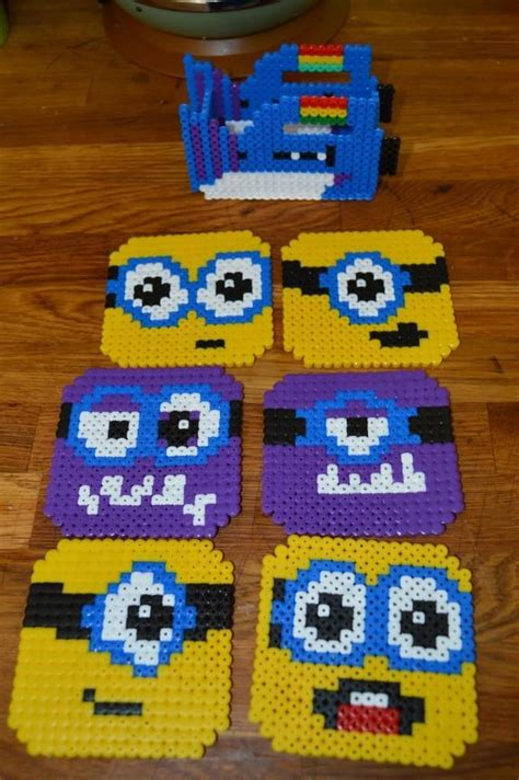 how do you use perler minions coaster set with a gun holder made from hama