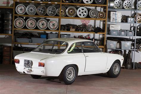 1965 Alfa Romeo Giulia by 1965 Alfa Romeo Giulia Sprint Gta Uncrate