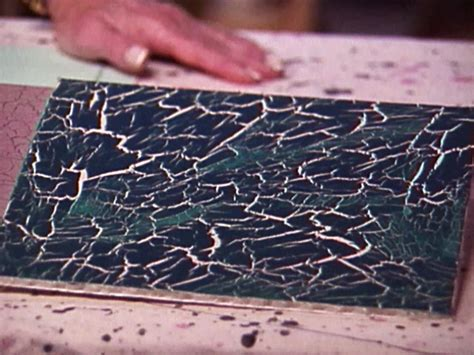 spray paint cracking crackle paint diy