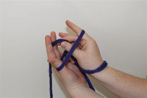 how to cast on thumb method knitting arm knitting tutorial you ll fall in with this