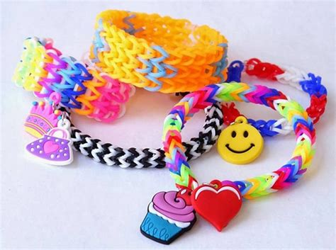 how make rubber st how to make bracelets out of rubber bands in different