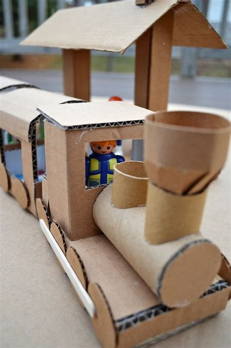 ideas for to make at school 25 best ideas about cardboard on