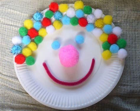 paper plate clown craft 32 paper plate craft ideas thriftyfun