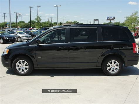 Chrysler Town And Country Dvd by 2008 Chrysler Town Country Dvd Minivan