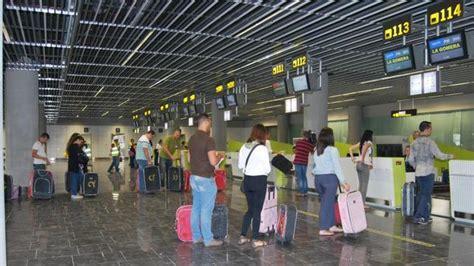 salidas aeropuerto de gran canaria el aeropuerto de gran canaria estrena terminal