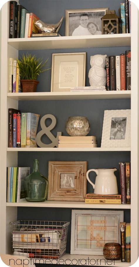 ideas for decorating bookshelves 25 best ideas about decorating a bookcase on