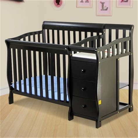 on me 2 in 1 convertible baby crib with