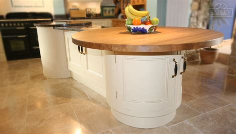 bespoke kitchen islands bespoke fitted kitchens free standing kitchens salcey cabinet makers northton