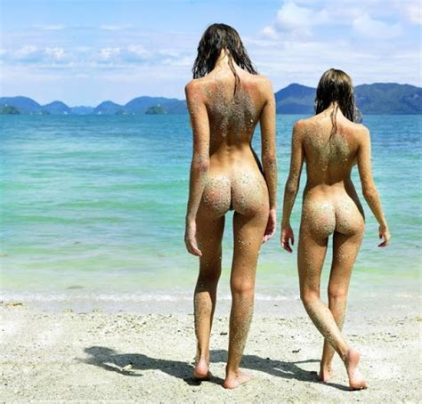 Nude Beach Oops Hot Girls Wallpaper