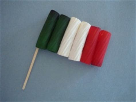 italy crafts for rigatoni italian flag
