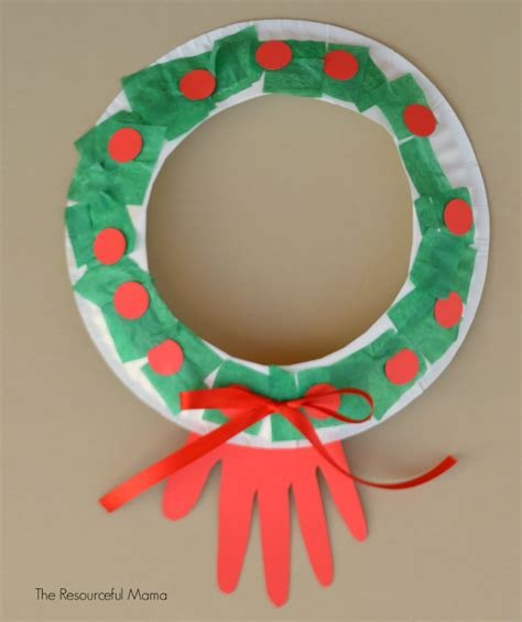 paper wreath craft simple paper plate wreath allfreekidscrafts