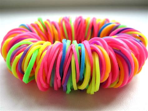 make a rubber st from a photo how to make bracelets out of rubber bands in different