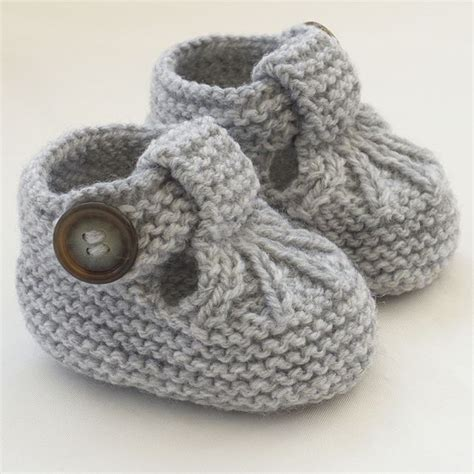 knitted shoes pattern free 25 best ideas about knit baby shoes on