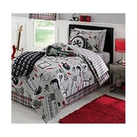rage comforter set 1000 images about blankets comforters throws baby