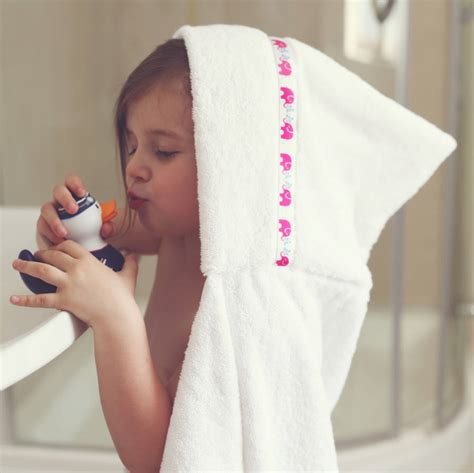 children s hooded bath towels children s hooded bath towel by hooded owls notonthehighstreet