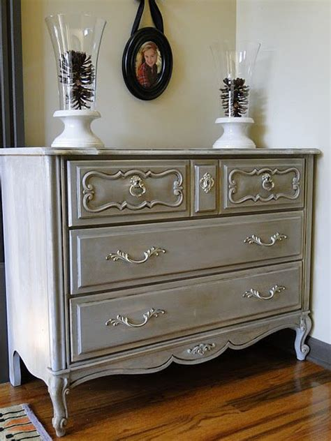 chalk paint grey ideas 17 best ideas about grey on sloan