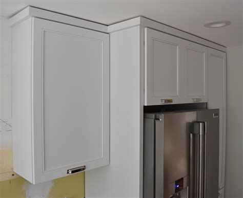 installing kitchen cabinet crown molding 100 how to install kitchen cabinet crown molding