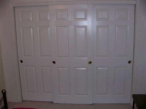 3 door closet sliding doors three sliding closet door problem doityourself