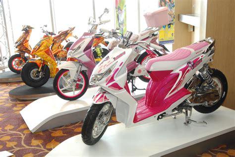 Modification Motor Beat Merah by Modifikasi Honda Beat Dari Negeri Gajah Putih Mercon Motor