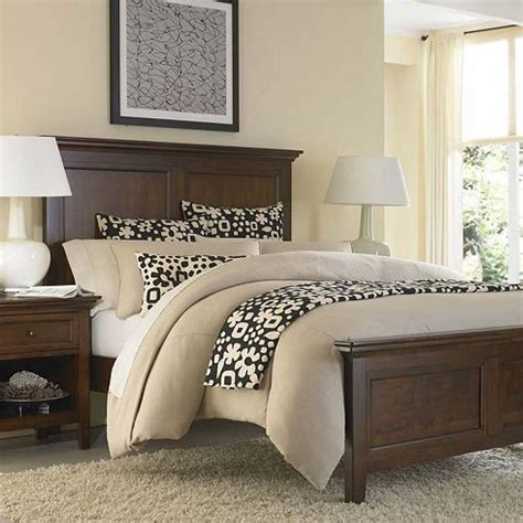 brown bedroom furniture sets 25 best ideas about brown bedrooms on brown