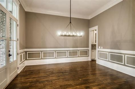 pictures of wainscoting in dining rooms dining room wainscoting design ideas
