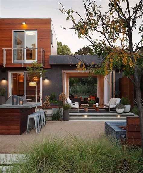 outdoor sitting area central courtyard of the lavish los altos residence with