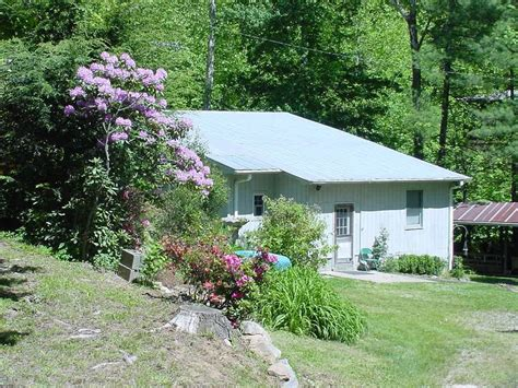 table rock state park cabins brown mountain lodge and creekside cozy cabin rentals