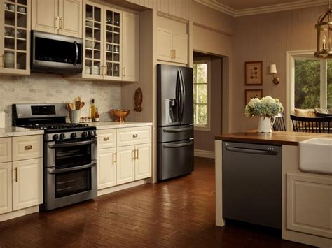 black kitchen cabinets with black appliances 1000 ideas about kitchen black appliances on