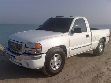 how to learn about cars 2006 gmc sierra 3500hd navigation system 2006 gmc sierra 1500hd overview cargurus