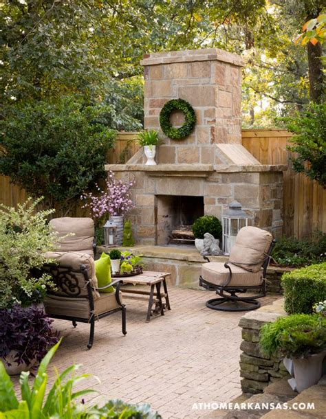 outdoor sitting area 25 best ideas about outdoor sitting areas on