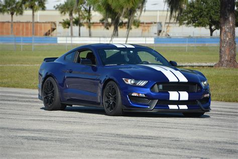 Ford Shelby Gt350 by 2016 Ford Shelby Gt350 Test Drive Review Autonation