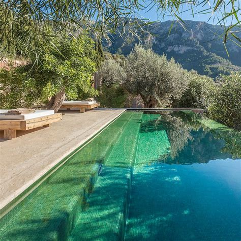 backyard infinity pools 25 best ideas about infinity pool backyard on