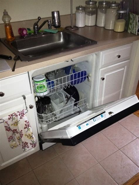 kitchen sink dishwasher 25 best ideas about sink dishwasher on