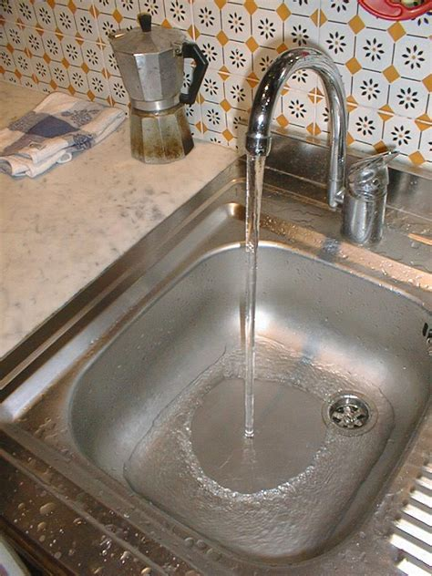 water kitchen sink why does flow from my kitchen sink s tap to be