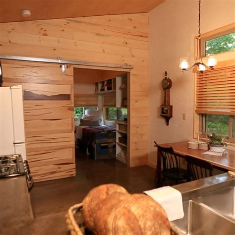 fyi tiny house nation tiny house nation fyi tv
