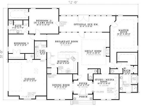 house plans two master suites 3 bedroom 2 bath traditional house plan alp 07bn