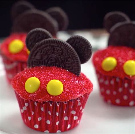 cupcakes and mickey mouse cupcakes disney family