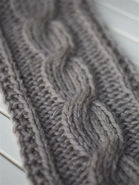 cable knit scarf pattern free knitting patterns galore big cable scarf