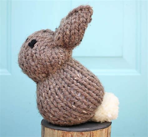 beginning knitting projects 17 best ideas about beginner knitting patterns on