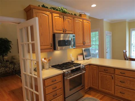 colors to paint a kitchen best kitchen paint colors with oak cabinets my kitchen