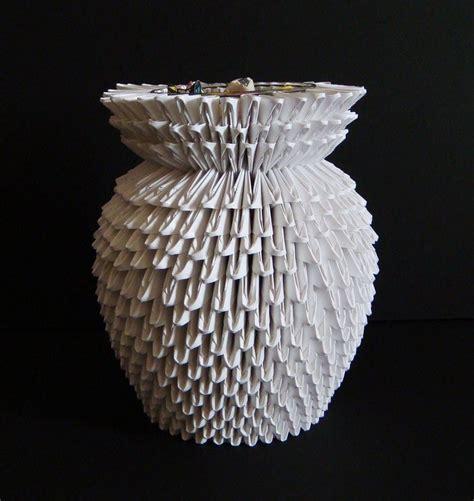 3d origami crafts 3d origami vase by sabrinayen on deviantart