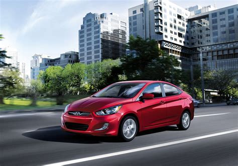 2012 Hyundai Accent Mpg by 2012 Hyundai Accent Review Specs Pictures Price Mpg