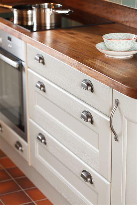 kitchen cabinet door paint paint kitchen cabinet doors 28 images spray paint