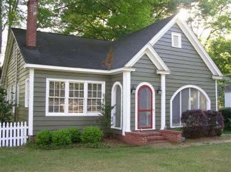 paint colors for cottage cottage exterior paint color schemes studio design