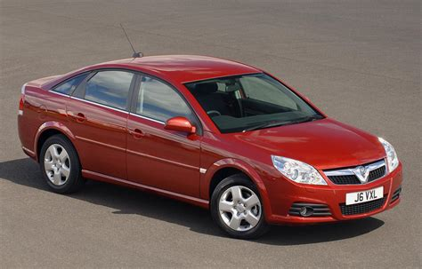 vauxhall vectra hatchback 2005 2008 driving vauxhall vectra hatchback review 2005 2008 parkers